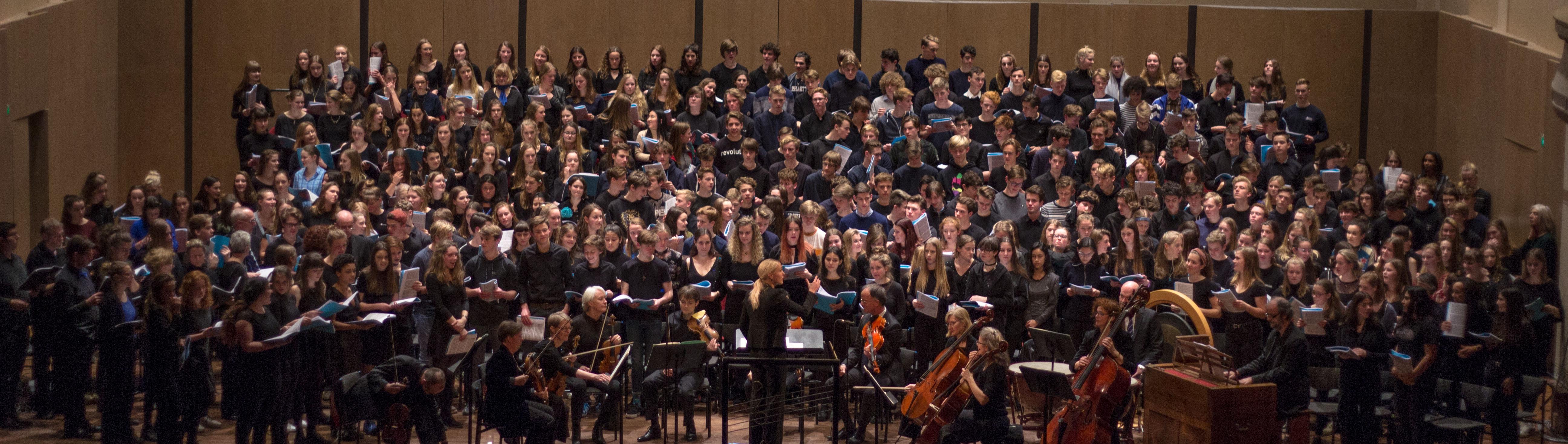 Het jaarlijkse schoolconcert in concertgebouw De Vereeniging.